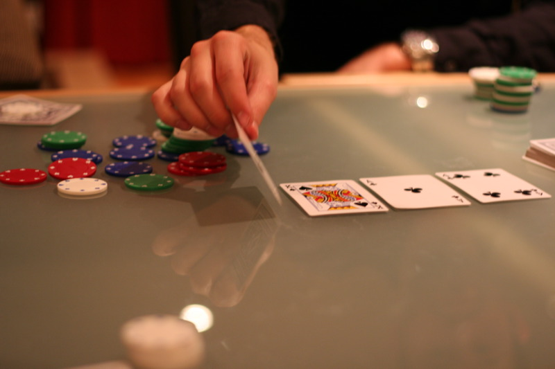 Poker Techniques - Betting Type Alterations Based Upon Your Condition