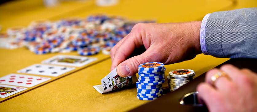 Online Approach Games Such As Poker