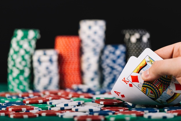 Managing Your Pot At The Time Of Playing Poker Online - Online Gaming