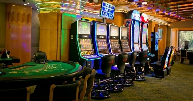Play Online Casino Approximately $400 Benefit